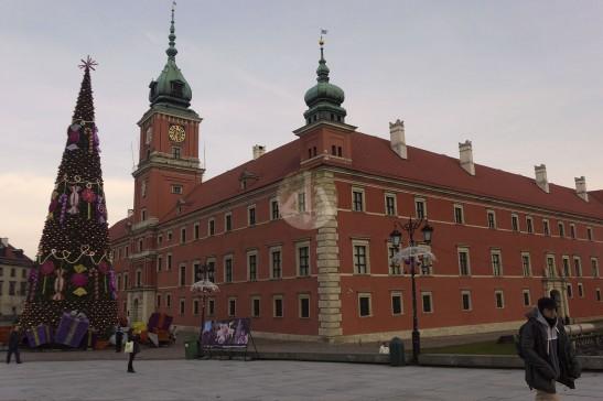 舊城皇宮,也是一磚一瓦的砌出來的。