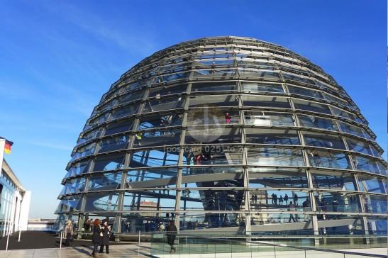 這是遊客可以免費入內參觀的玻璃圓頂,在大晴天下,可以看見整個柏林。