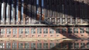 Zollverein裏丟空了洗煤粒設施的。(漂亮的倒影)