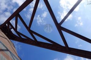 在Zollverein抬頭看,總見到有趣的線條。