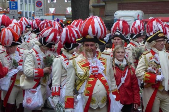 科隆市的傳統顏色是紅白兩色。
