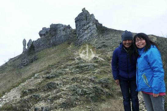 這是Htay Htay和我,在紐倫堡附近的高山上。她其實是有畏高症的,卻堅持要帶我們去這個美麗的地方。