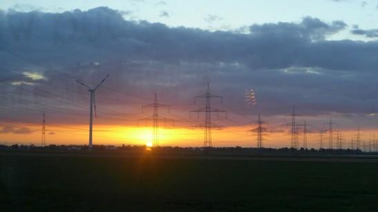 由布魯塞爾回科隆時,看見了美不勝收的日落。