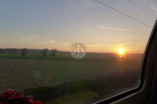 我很喜歡坐火車的,因為風光很美。