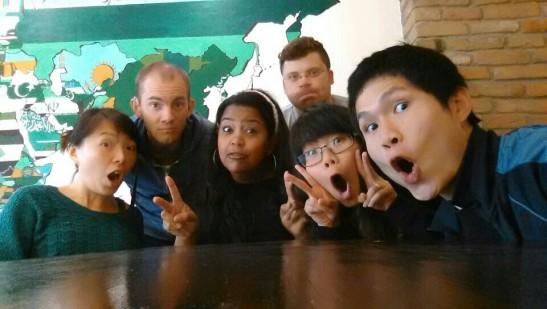這間Café的同事們,由左至由:Hazel(香港)、Titus(美國)、Sandra(巴西)、Martin(瑞典)
